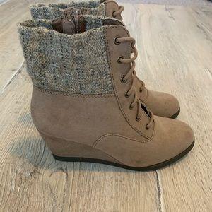 SO wedge heel boots